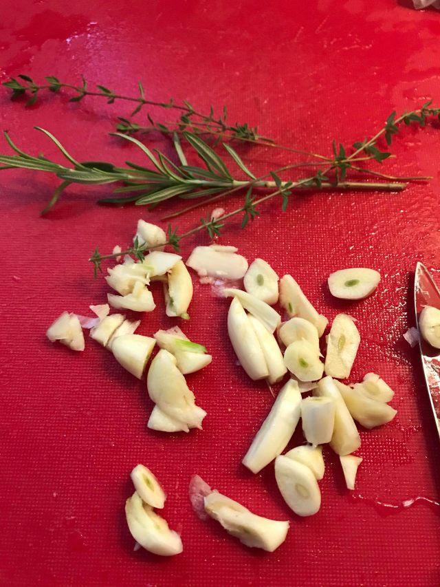 garlic herbs puffs